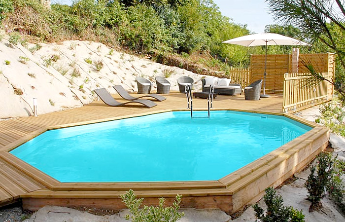 piscina ovalada desmontable madera vermela