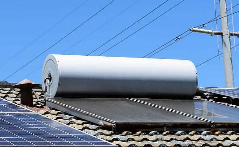 instalación termo solar para calentar agua doméstica